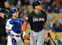 Stanton, Marlins agree to record $325M deal