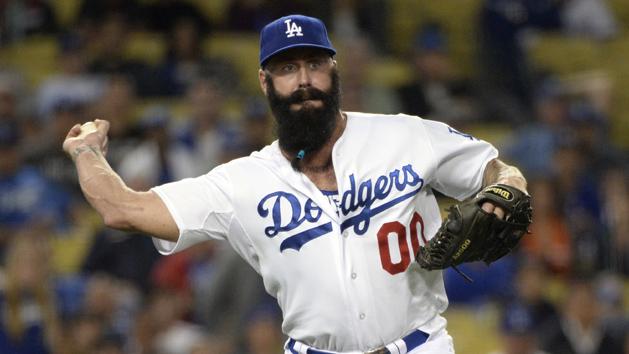 Dodgers release RHP Wilson