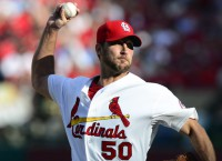 Cardinals' Wainwright diagnosed with muscle strain