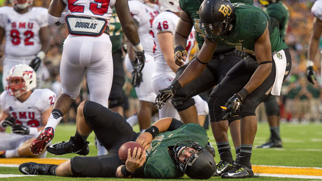 Report: Baylor QB Petty has cracks in his back