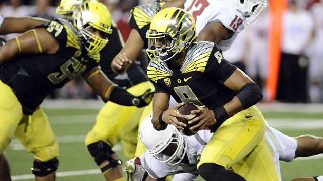 No. 2 Oregon escapes Pullman with a 38-31 win
