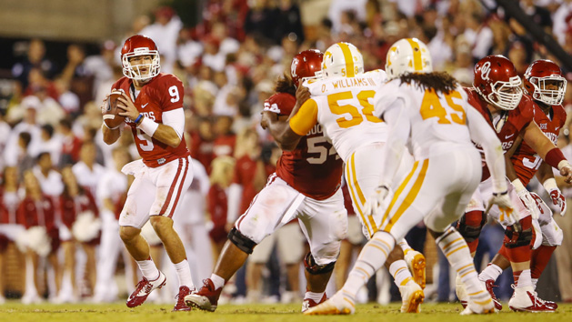 Behind Knight, defense, OU trounces Tennessee