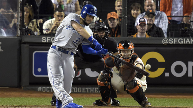 Royals play their game, take 2-1 World Series lead