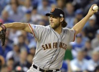 Bumgarner, Pence lead Giants to Game 1 Series win