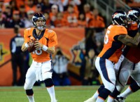Manning meets with Broncos