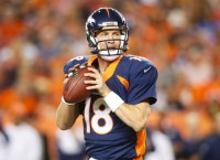 Broncos, Manning pursue restructured contract