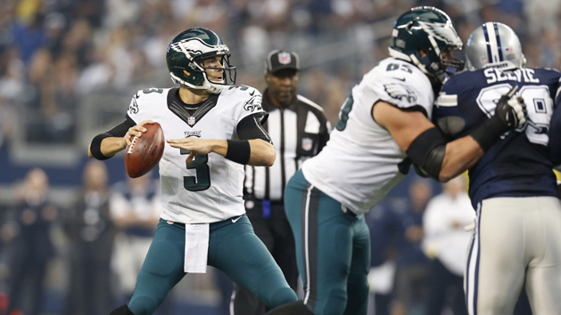 Philly whips Dallas to stay undefeated on Turkey Day