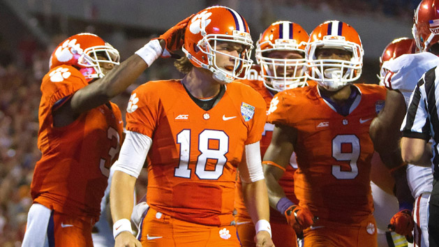 Clemson rolls over Oklahoma in dominant fashion