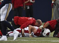 Cardinals QB Stanton leaves game with knee injury