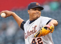 Simon shuts down Pirates in Tigers win