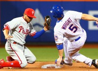 Mets' Wright to undergo MRI after injuring hamstring