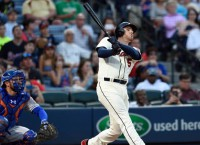 Braves beat Mets again, move to 5-0