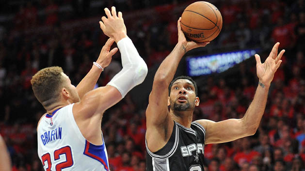 Spurs outlast Clippers in OT to even series