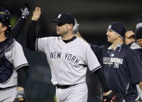 Yankees stay hot with win over Tigers in snow, cold