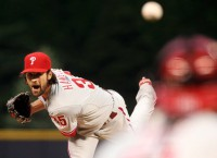 Veteran Hamels continues to win for Phillies