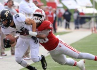 Indiana's top tackler charged with drug dealing, booted off team