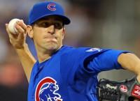 Cubs win behind Hendricks, Szczur double