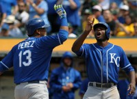 Royals sweep A's, head to first-place Astros